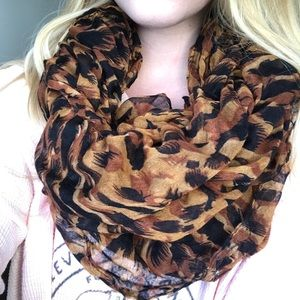 Accessories - Light Weight Leopard Print Infinity Scarf