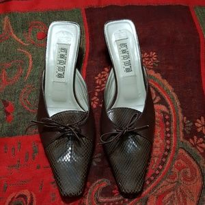 Saks fifth avenue folio collection shoes.