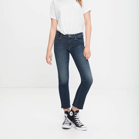 6c19aa2ffb5c9 Mother Jeans Rascal Ankle Snippet