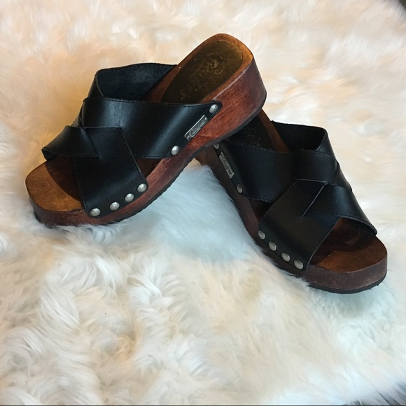 Candies Black Leather And Wood Clogs Size 6