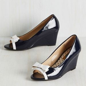 New Modcloth Tearoom Mates Wedge in Navy