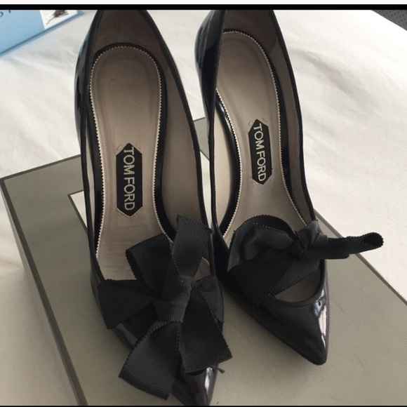 b78a510f6d9 Tom ford black patent leather size 38 w bow. M 59d9708f9c6fcf9f7306f511