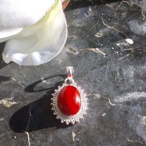 Jewelry - ⚜️Red Agate Necklace Pendant⚜️
