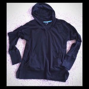Zella pullover hoodie small  black- runs large