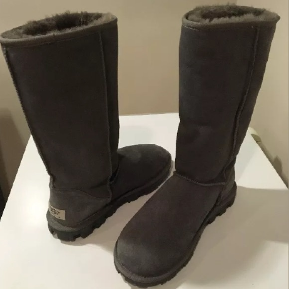 23705d80153 Brand new Classic Ugg Essential Tall boots ❤️☃❤️