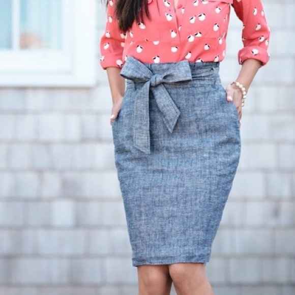 5ed604e322 Ann Taylor Skirts   Denim Chambray Paper Bag Sash Skirt 10p   Poshmark