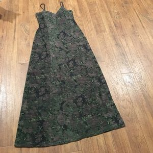 Jessica Simpson 2/3 lined maxi with built in bra