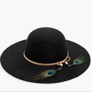 Accessories - Festival Boho Black Hat w/ Peacock Feather Wrap