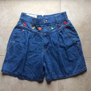 Vintage 90s denim high-waisted fruit shorts