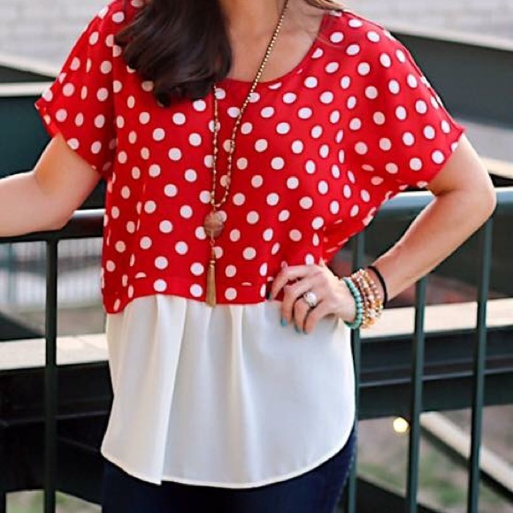 564b6e4473573 Red   white polka dot shirt. M 59d9ba6a8f0fc40c9d082a09