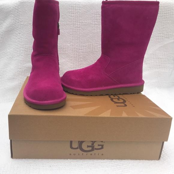 60bec8a2f1b NIB UGG Kids Lil Sunshine boots. Zip. Pink. Sz 2 NWT