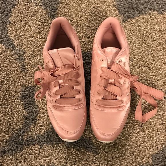c3b2a1c652f Reebok Pink Satin Sneakers. M 59da20a1bf6df593e708c42a