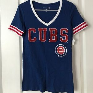 Women's Vneck Chicago Cubs Tshirt NWT