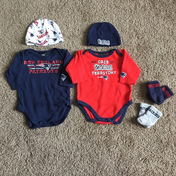 29494c23 New England Patriots newborn set