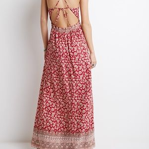 Dresses & Skirts - Red paisley print maxi dress