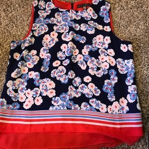 Like new floral sleeveless blouse