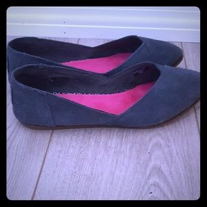 Toms Shoes - TOMS black women's but to flats
