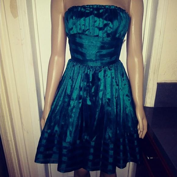 Betsey Johnson Dresses & Skirts - Betsy Johnson Green Party Dress