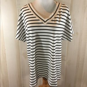 Striped v neck Tee