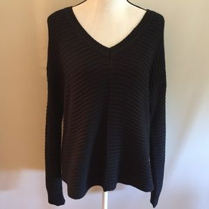 NWOT Sam Edelman v-neck sweater