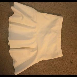 *SOLD* Elizabeth and James skirt size 4