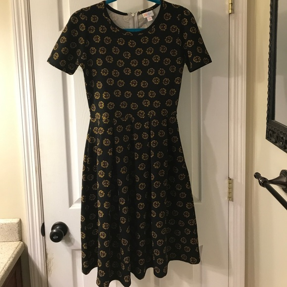 bf7ce264f31fc LuLaRoe Dresses & Skirts - LuLaRoe Amelia dress black with sunflowers size S