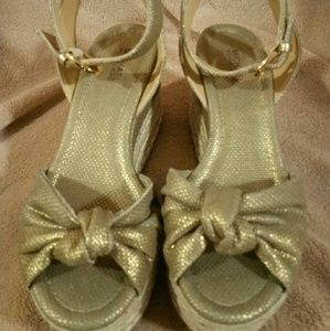 Michael kors sandal size 6
