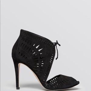 Ivanka Trump Shoes - Ivanka Trump Delfina black heels
