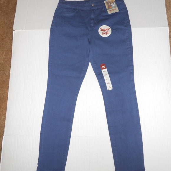 d5c6a66d2 Arizona Hi Rise Luxe Stretch Twill Pants Sz 13. NWT. Arizona Jean Company