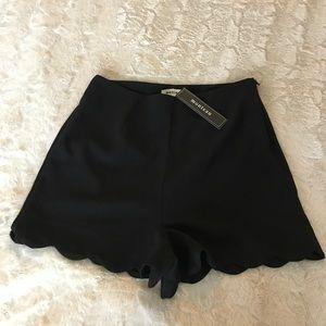 Monteau Black Scalloped Shorts | Small