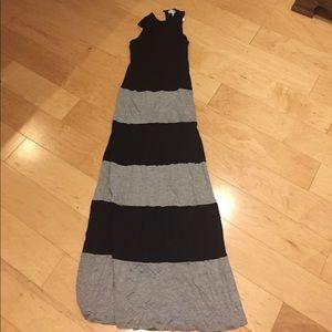 Women's monteau maxi dress