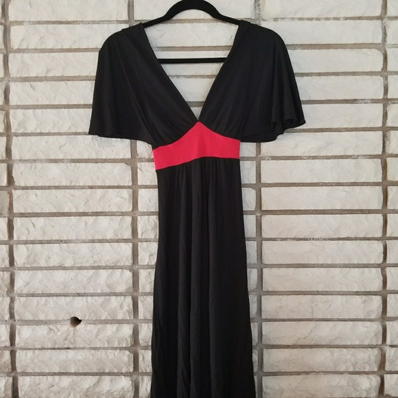 m Dresses & Skirts - M Black and Red dress size medium
