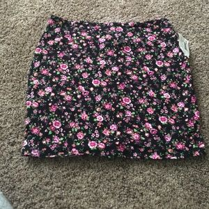 Dresses & Skirts - Nwt Floral skirt