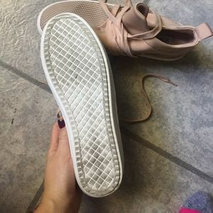 Steve Madden Shoes - Steve Madden Blush Lancer Sneaker