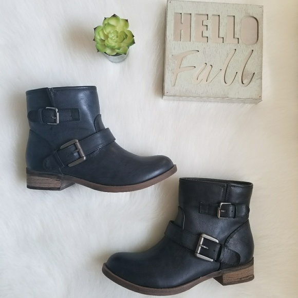 a6bb336f8419 Shi by Journey Jojo Short Boots Comoflauge Sz 6.5