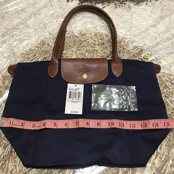 Longchamp Bags   Authentic Le Pliage Medium Shoulder Bag   Poshmark 154d75d012
