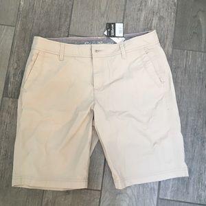 NWT Eddie Bauer Khaki Shorts 10