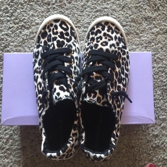 699307154f2e3 Madden Girl Brrookee Sneaker