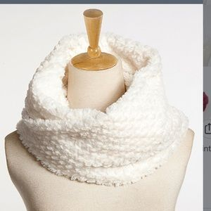 Accessories - Faux Fur Infinity Scarf - White