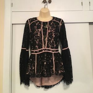 DO + BE Bell Sleeve Lace Top sz S