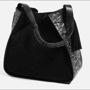 Zara !! Bucket bag with embroidered detail!