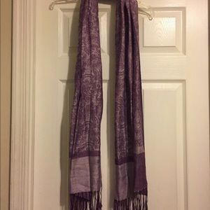 Accessories - Decorative purple scarf with fringe