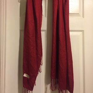 Accessories - Burgundy scarf with fringe