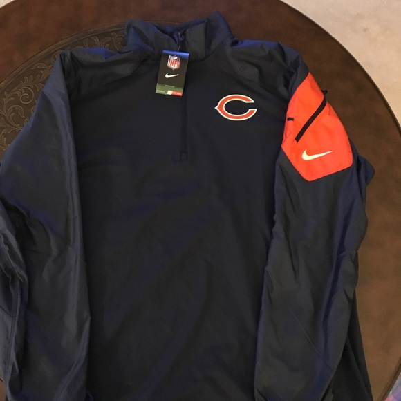 sports shoes 983a7 8a710 Nike Chicago Bears Coaches Pullover. NWT