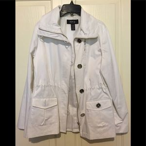 Style and Company white versatile jacket