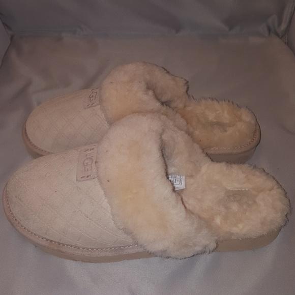 31381b5dc3c Women's UGG Cozy Double Diamond Slipper Shoes