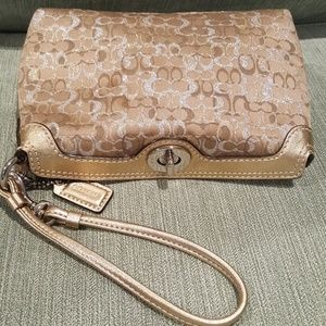 Coach AUTHENTIC wristlet