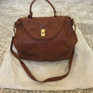 Vintage badgley mischka cognac leather bag!