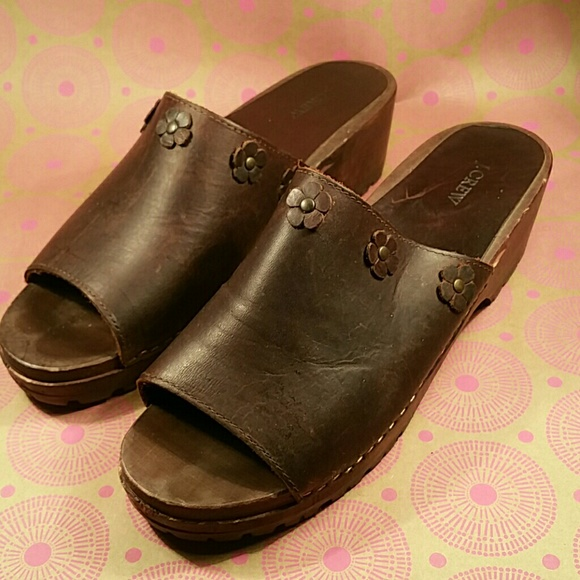091a7f850 J. Crew Shoes - J.Crew Clog Mule Sandal Brown Sz..see