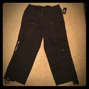 Pants - NWT Black Capri Pants